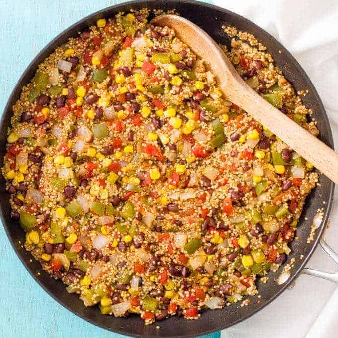 Southwest vegetarian quinoa skillet is a quick and easy one-pan dinner recipe that's healthy but very filling and perfect for meatless Monday!   www.familyfoodonthetable.com