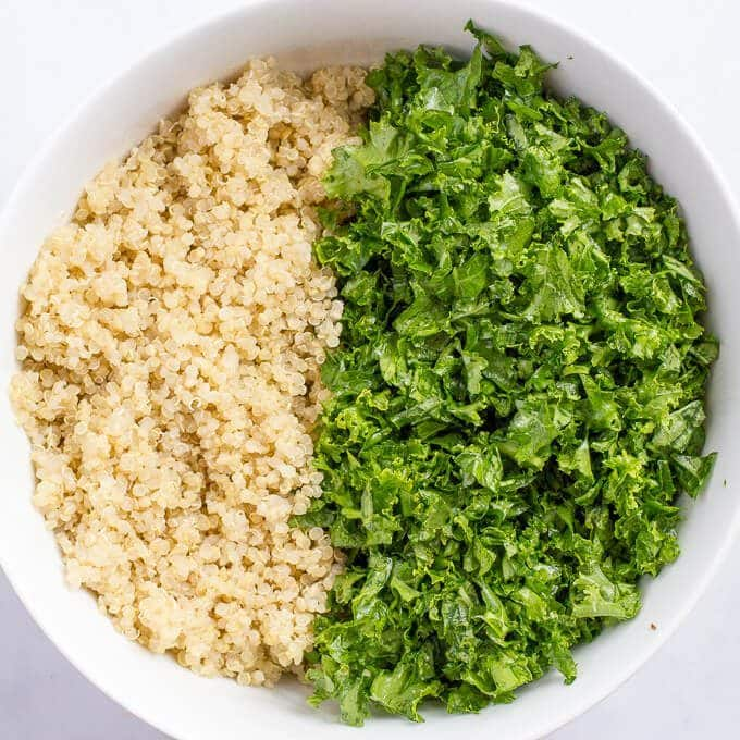 Kale quinoa salad is a light, fresh and healthy side dish! | www.familyfoodonthetable.com