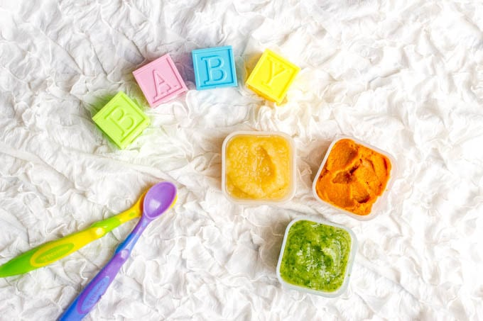 Homemade baby food can be so easy to make! Check out these tips for getting started, some beginner baby foods and our favorite combinations and recipes! | www.familyfoodonthetable.com