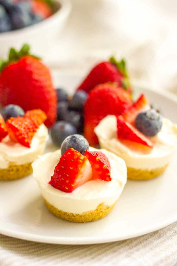 Healthy no bake mini cheesecake bites serving
