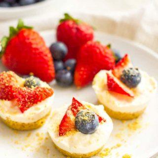 Healthy no bake mini cheesecake bites plated