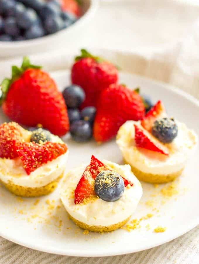 Healthy no bake mini cheesecake bites plated