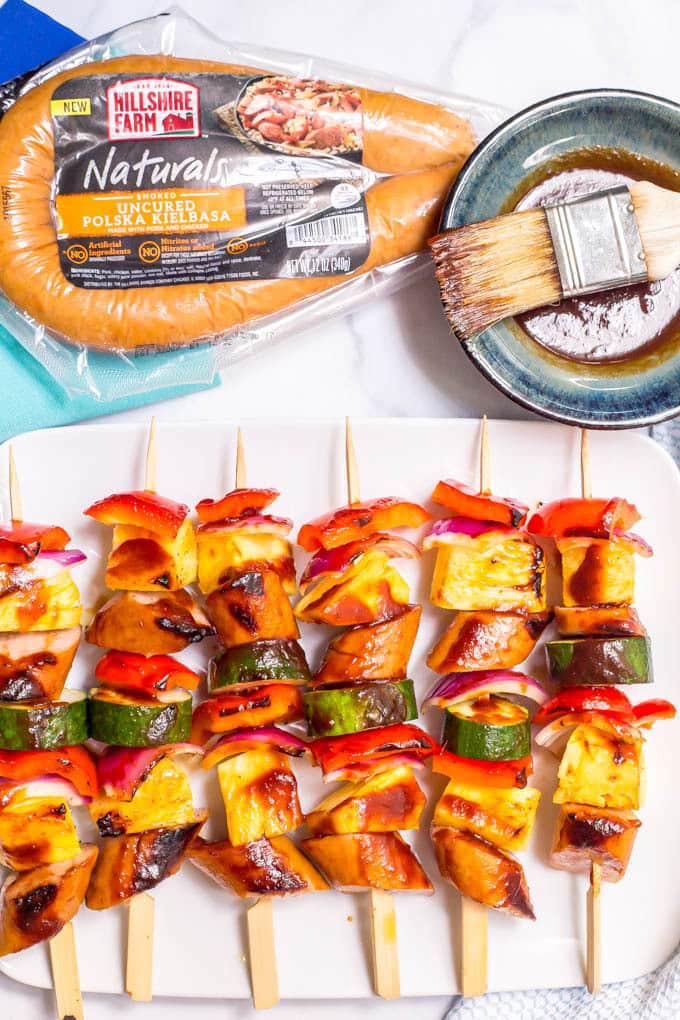 Sausage pineapple kabobs with BBQ sauce -- an easy, flavorful summer appetizer or dinner! | www.famillyfoodonthetable.com