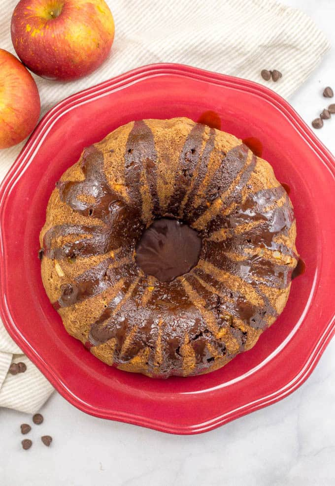 Chocolate chip apple cake is loaded with sweet apple chunks, chocolate chips and walnuts for a delicious fall dessert! | www.familyfoodonthetable.com