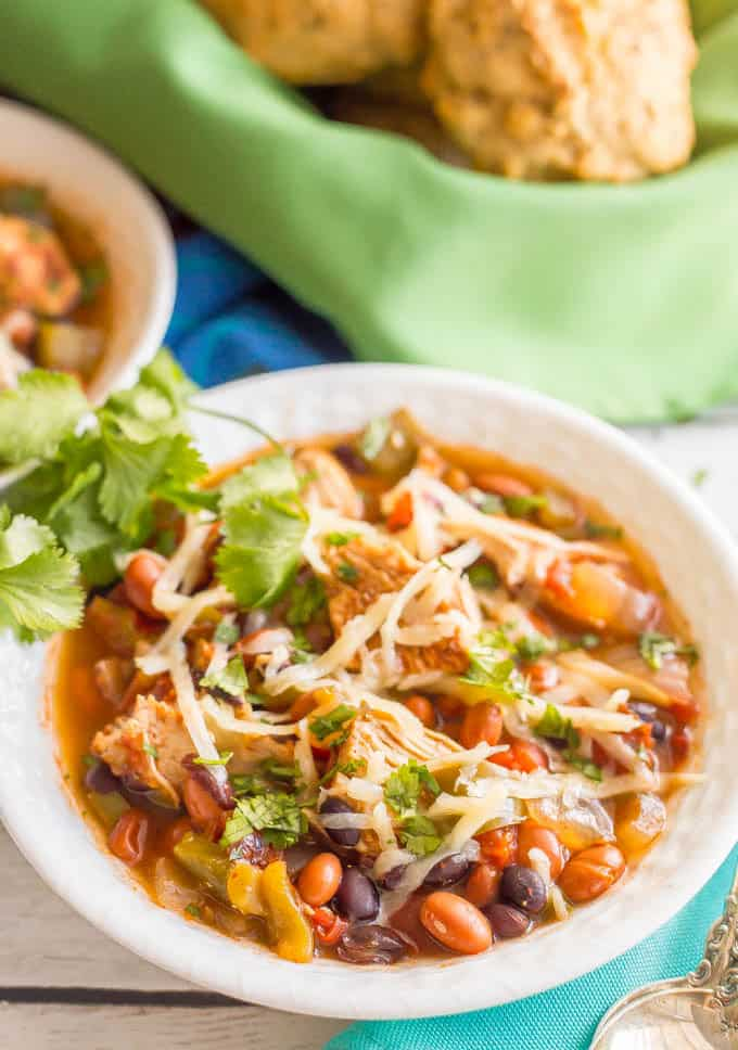 Healthy slow cooker chicken chili (+ video) - Family Food on