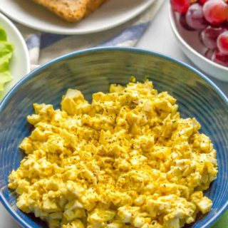 Curried egg salad is an easy, creamy, delicious lunch that's perfect for sandwiches, wraps or lettuce wraps or with crackers and veggies. It's just 5 ingredients and ready in about 30 minutes. #eggsalad #easylunch #vegetarianlunch | www.familyfoodonthetable.com