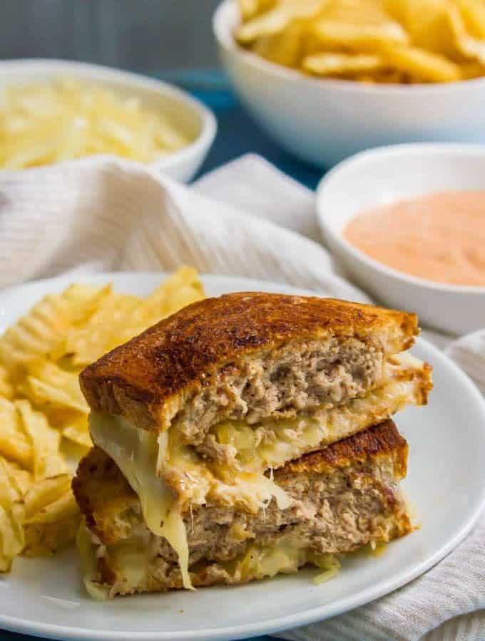This ground turkey patty melt sandwich is a healthier version of the diner classic and always hits the spot! This melty, cheesy, meaty sandwich is perfect for an easy lunch or dinner the whole family will love! #turkey #sandwich #lunch #dinner