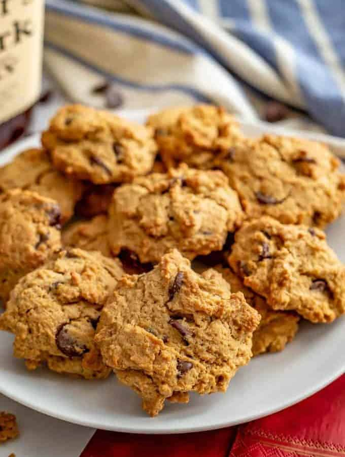 Bourbon chocolate chip cookies are soft, sweet, loaded with melty chocolate chips and have the perfect hint of bourbon. They are easy to make and require just 1 bowl! #bourbon #chocolatechipcookies #cookies #bakingfun