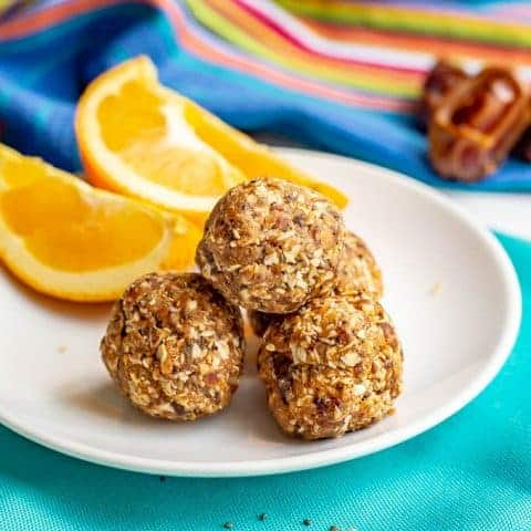 Healthy peanut butter energy balls {4 ingredients}